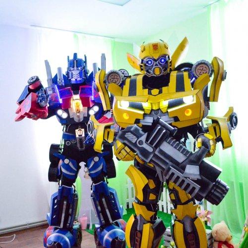 BumbleBee si Optimus Prime Bucuresti